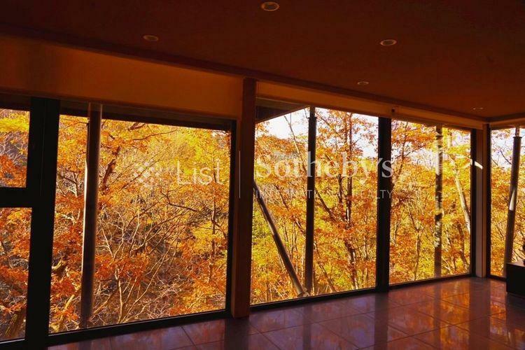 眺望 眺望窓の外には視界を遮るものもなく、四季折々の自然の景色を独り占め出来ます。