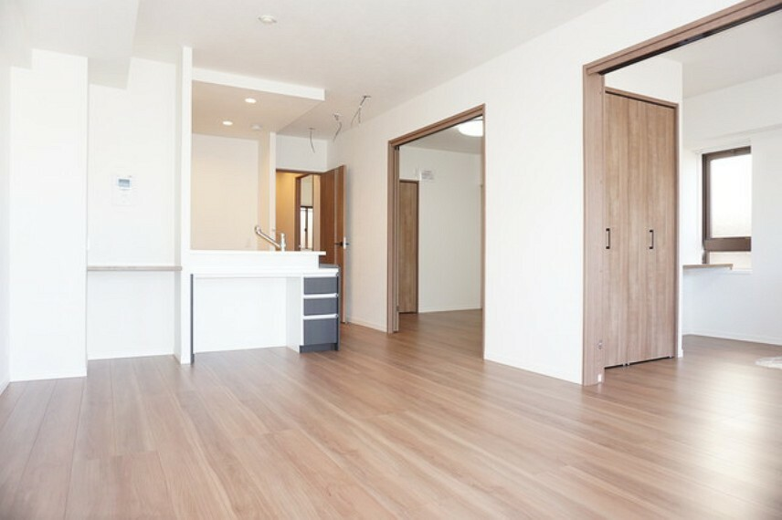 居間・リビング ミセスの家事動線を追求して設計され、水回り設備等も充実