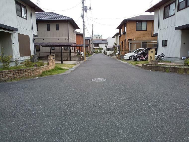 現況写真 前面道路は6mあり、ゆったりサイズです!