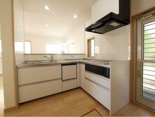 キッチン キッチンはエル型キッチンを新設!使いやすく食洗器付なのは嬉しいポイント!