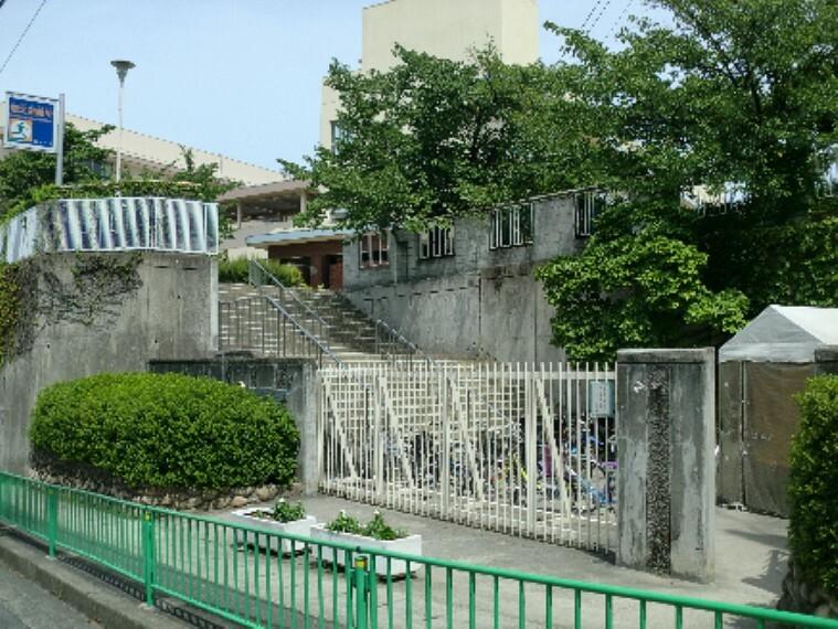 小学校 茨木市立沢池小学校
