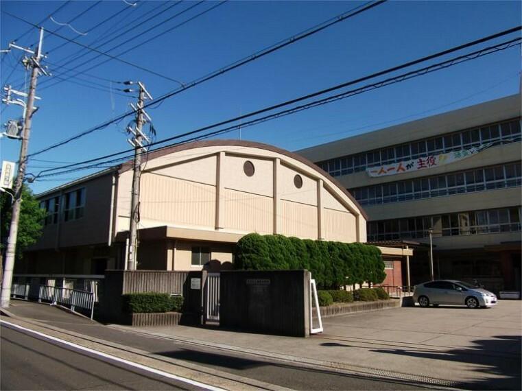 中学校 茨木市立西陵中学校