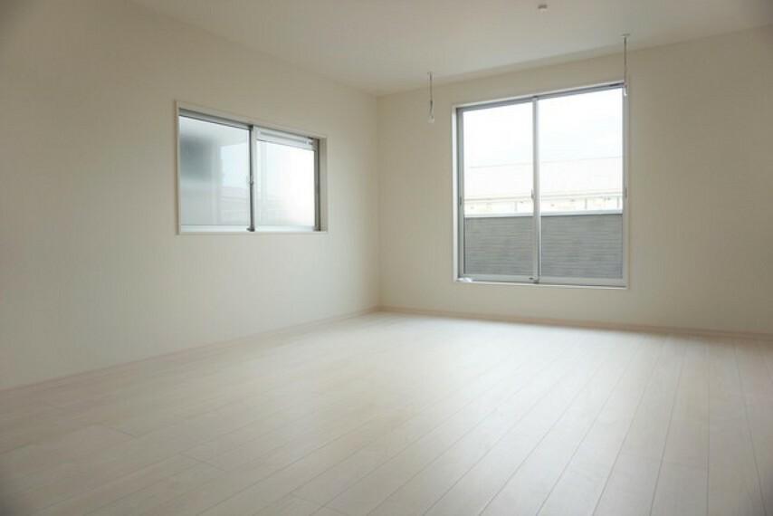 洋室 (同仕様写真)。2面採光を確保した、洋室6帖です。風通しの良い快適な生活が送れそう。