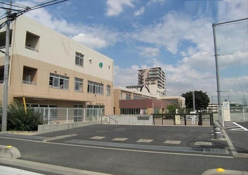小学校 【小学校】富士見市立つるせ台小学校まで240m