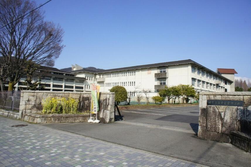 中学校 東長良中学校まで徒歩約22分。(約1700m)