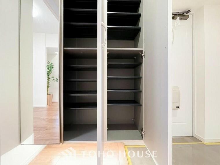 収納 空間を余すところなく有効利用した収納は生活空間をより上質なものにしてくれるでしょう。