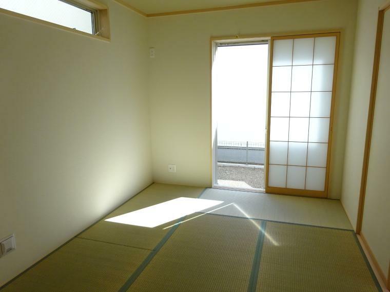 和室 約6帖の和室があります