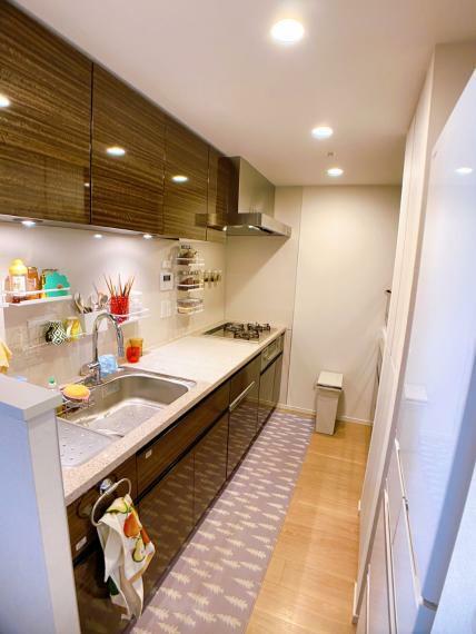 キッチン ガスシステムキッチン・食器洗浄機・浄水器 室内(2021年8月)撮影