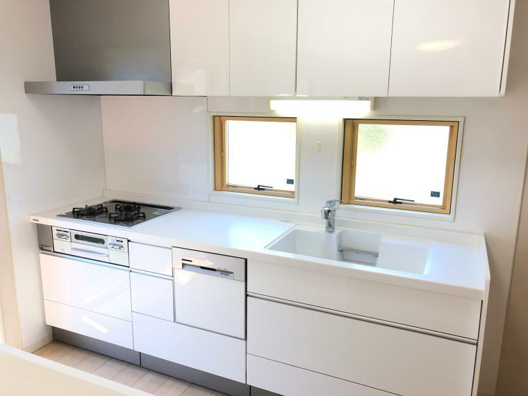 キッチン 築浅できれいなキッチンです。