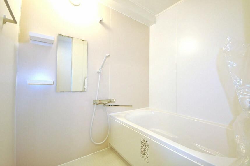 浴室 システムバスを新調しました。まっさらのお風呂で快適なリラックスタイムを。