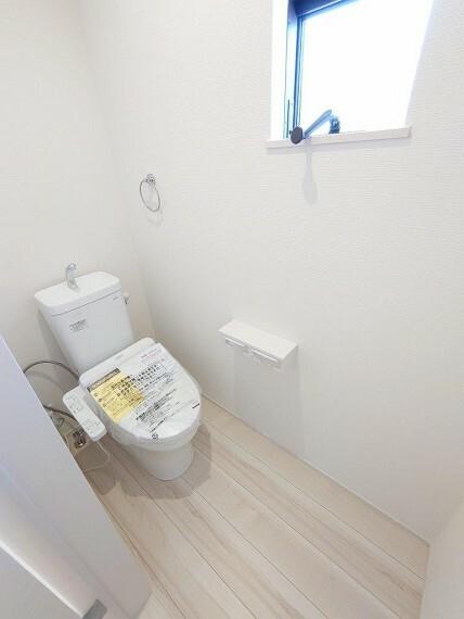 トイレ 2F《 現地写真 》現地見学や詳細は 株式会社レオホーム へお気軽にご連絡下さい。
