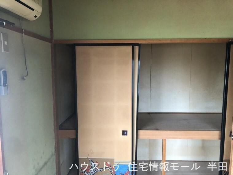 6畳和室の押入です お布団や衣類など、しっかり収納できます