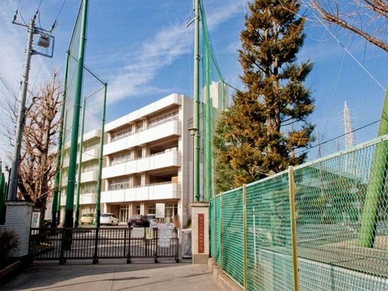 中学校 横浜市立六角橋中学校