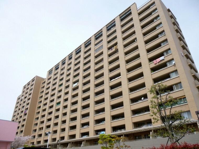 外観写真 平成13年9月建築のマンション
