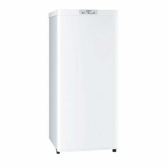 【プラスワンフリーザー】  コンパクトながらも大容量の冷凍庫と専用スペースを特設しました。冷凍食品のストックや氷の作り置きなど、おうち時間が長くなっても充実のフードライフをお届けします。