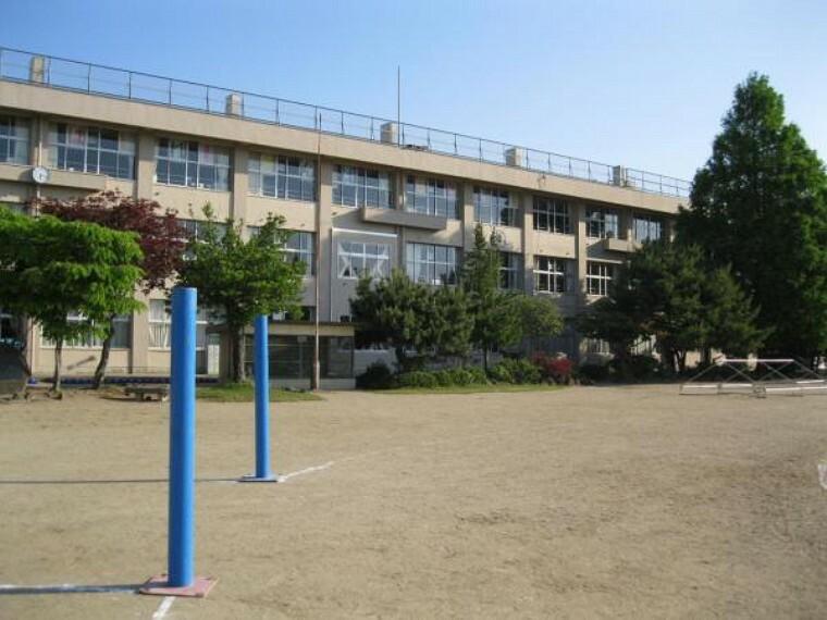 小学校 中田小学校まで徒歩8分