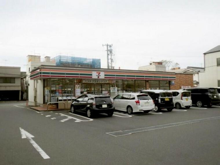 コンビニ セブンイレブン 呉市広中町店
