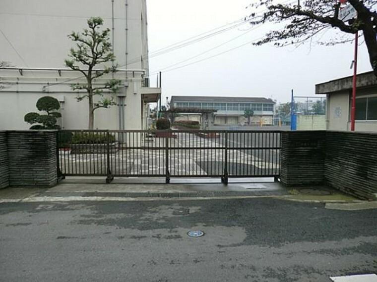 小学校 横浜市立中丸小学校 約200m