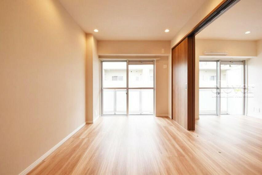 洋室 洋室2 ドアを開放してリビングとしても利用可能です