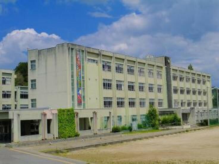 中学校 【中学校】奈良市立登美ケ丘中学校まで759m