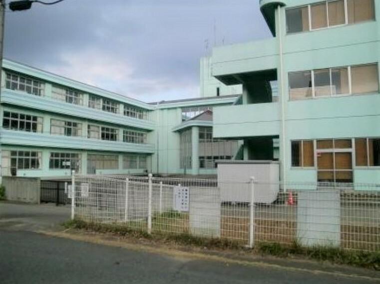 小学校 【小学校】龍ケ崎市立久保台小学校まで1042m