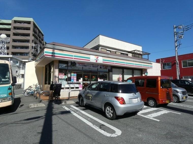 コンビニ セブンイレブン川越東田町店
