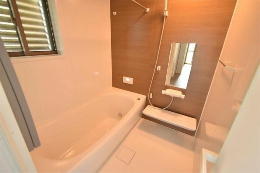 浴室 空気もこもらず、いつもクリーンな浴室乾燥機付