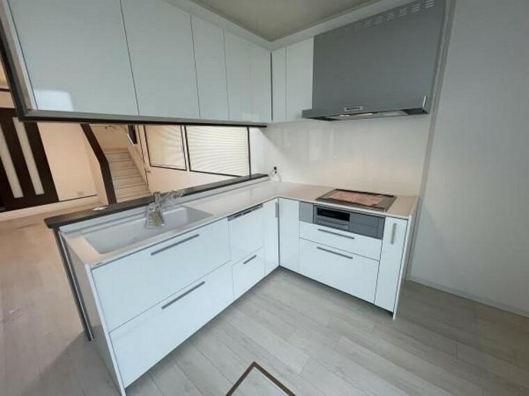 キッチン 【キッチン】L型のキッチンは、作業スペースが広く調理をスムーズにします!
