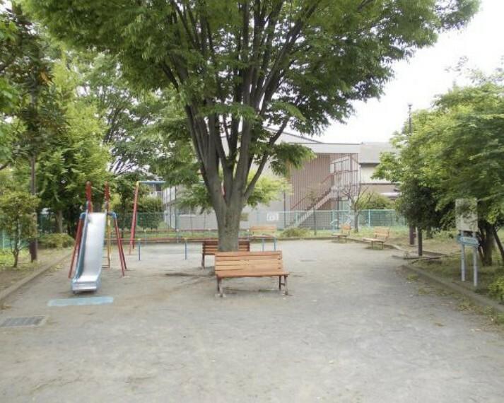公園 【公園】祖師谷えのき広場まで319m
