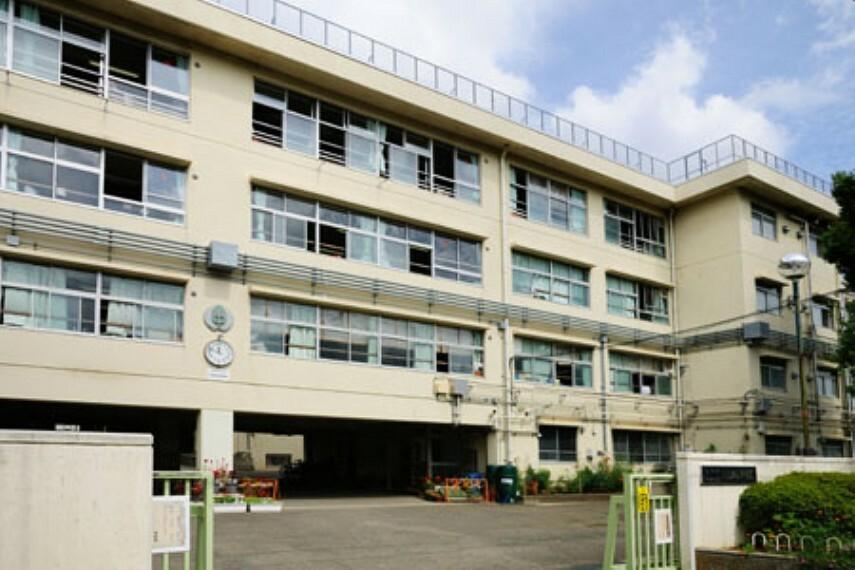 中学校 【中学校】世田谷区立上祖師谷中学校まで1237m