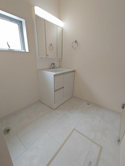 同仕様写真(内観) 同社施工例約2帖ある洗面スペース