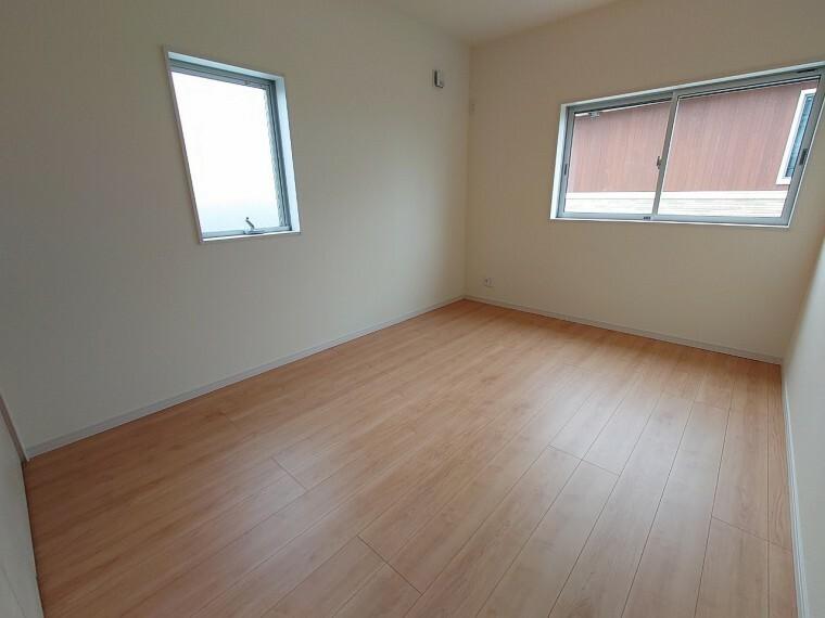 同仕様写真(内観) 同社施工例収納付き居室収納付き居室