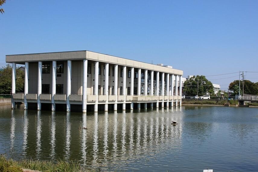 図書館 武豊町立図書館