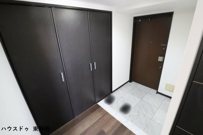 玄関 収納のある玄関は、散らかりやすい靴もしっかり収納!スッキリ気持ちの良い玄関をキープできます。