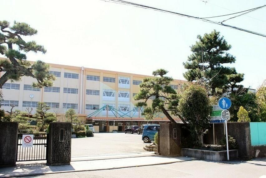 周辺の街並み 第二中学校