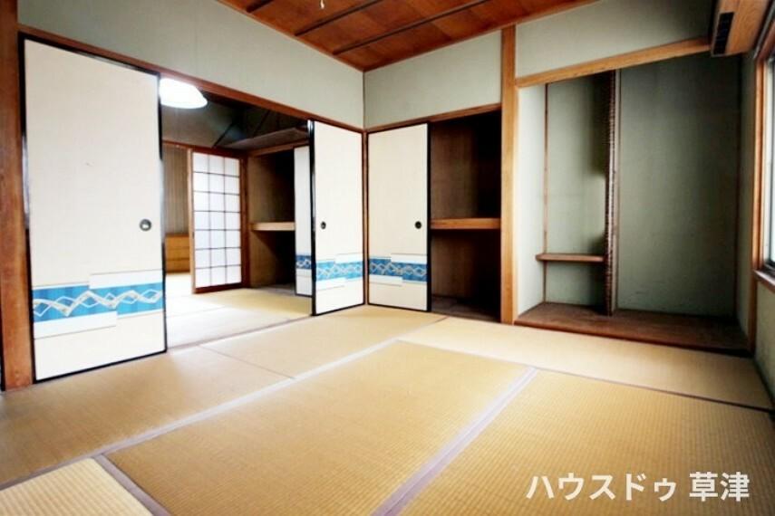 和室 約6帖の和室は床の間もある本格的な和室です。続き間としてもほっこりとお過ごしいただくことができます。