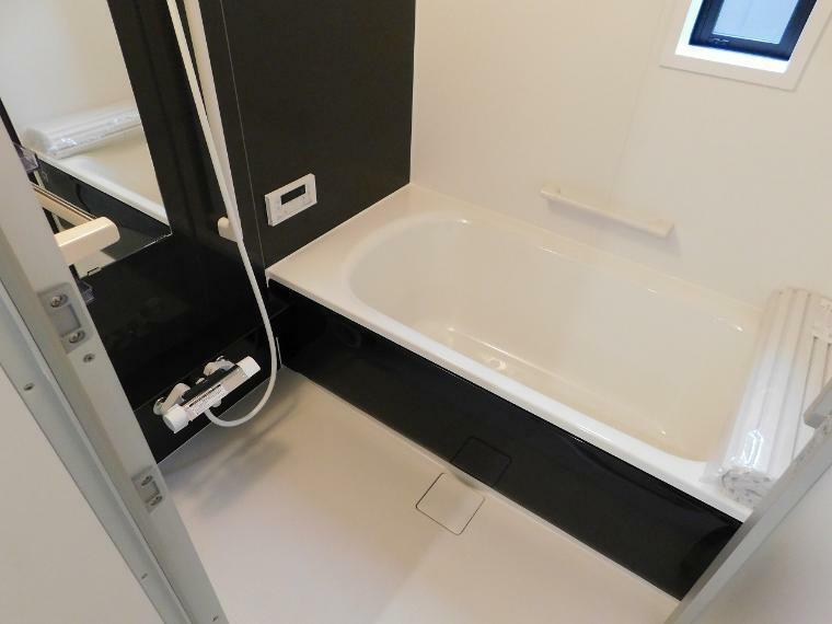 浴室 一坪タイプのユニットバス