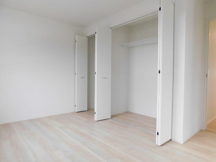 収納 【施工例】各部屋収納付きなので、お片付けもスッキリできますね!