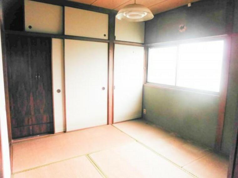 居間・リビング 【リフォーム前】リビングは、キッチンとこちらの和室を繋いで拡張する予定です。もちろん床フローリング・天井・壁クロス張替えします。