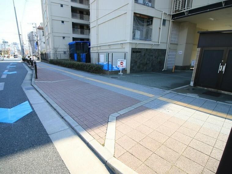 現況写真 駐車場出入り口