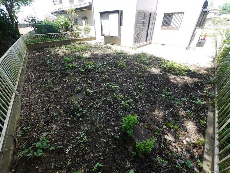 庭 ゆとりの敷地で休日には家庭菜園、バーベキューも可能