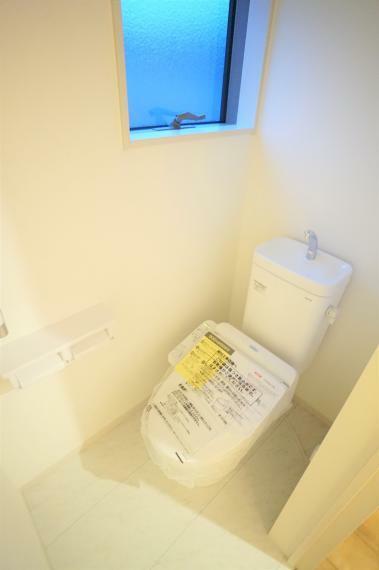 トイレ 2F ウォシュレット付きトイレ