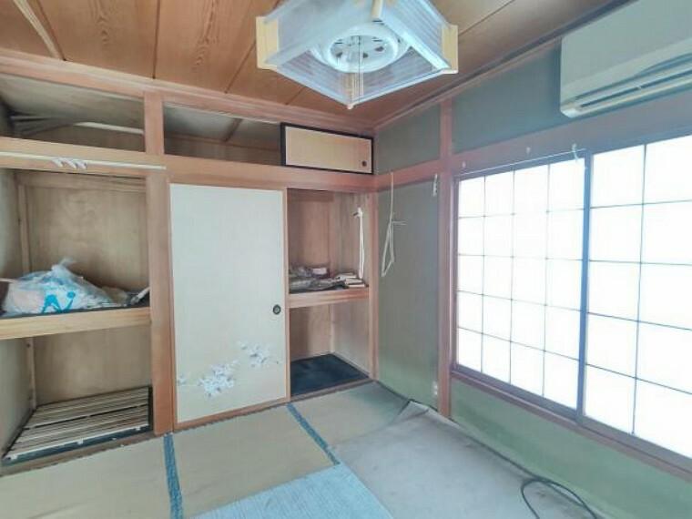 収納 【リフォーム前写真】1階南東和室の収納部分。クローゼット作成予定です。枕棚も設置して使いやすくリフォームしていきます。