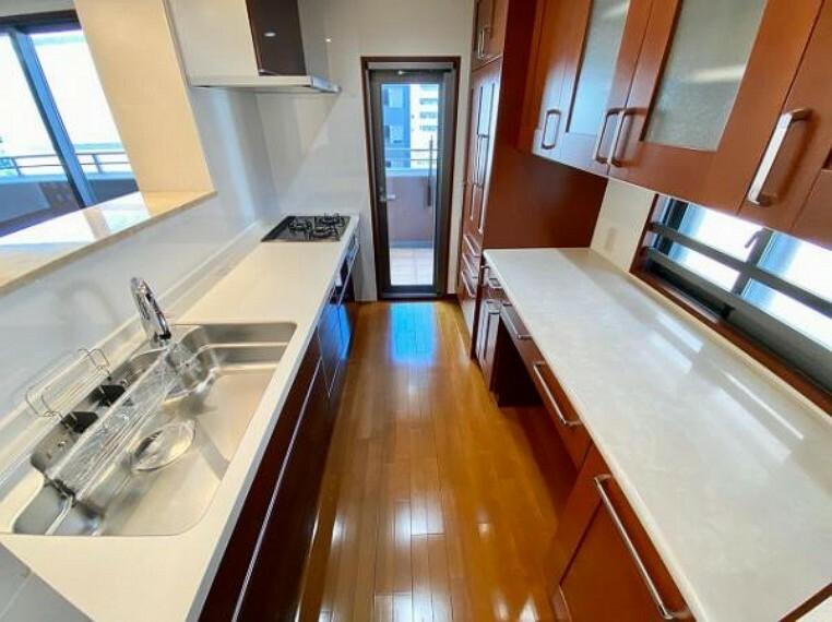 キッチン 水廻り設備一新!充実した設備で快適に新生活を始められますね