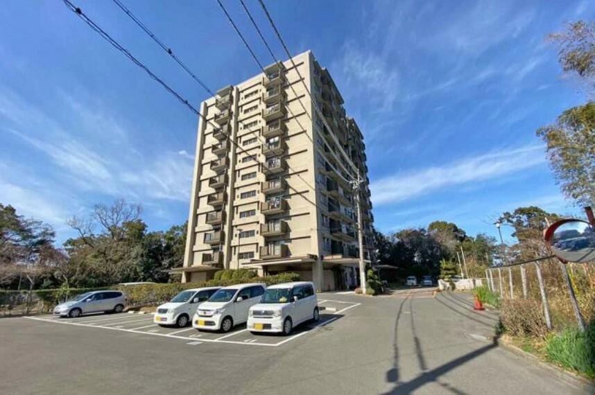 外観写真 一丘小学校720m・一丘中学校610m・専有面積88.31m2・メゾネットタイプの3LDK・ペット可