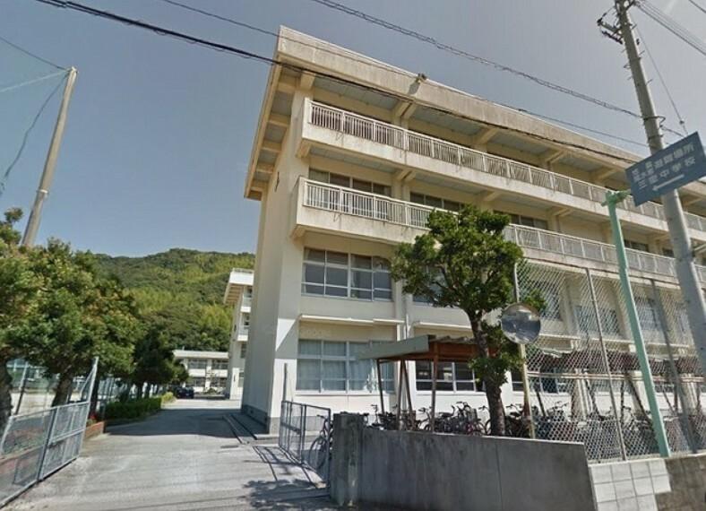 中学校 【中学校】高知市立三里中学校まで1406m