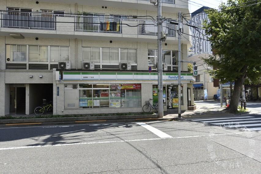 コンビニ ファミリーマート浅草橋二丁目店
