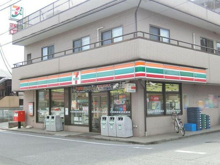 コンビニ セブンイレブン千葉本町店