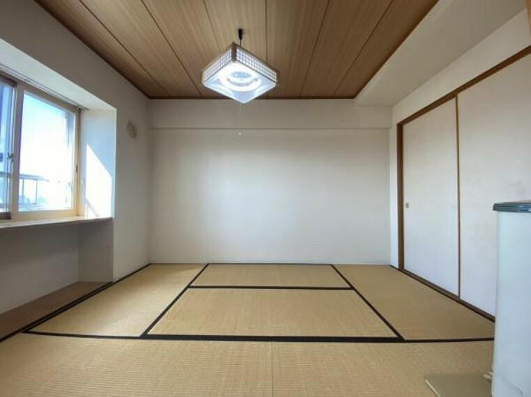 【リフォーム前和室】畳表替え・壁天井クロス張替・照明交換・建具交換を行います。