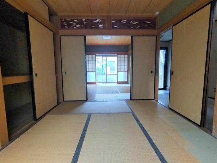【リフォーム前写真】1階6帖和室二間は、続き間になっています。